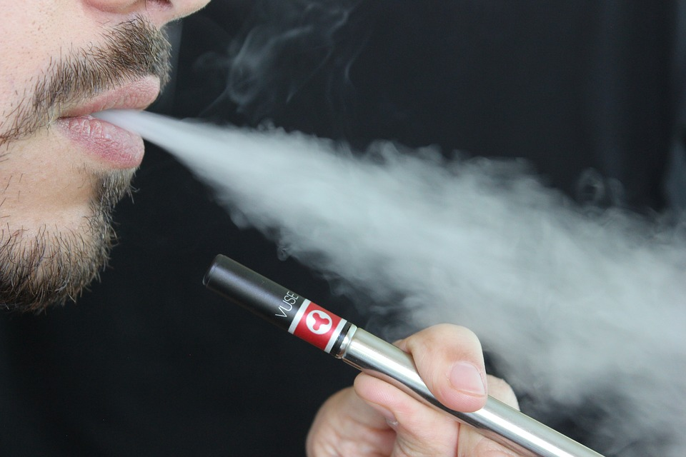 Skift cigaretterne ud med elektriske cigaretter